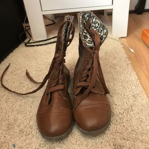 Other - Brown boots